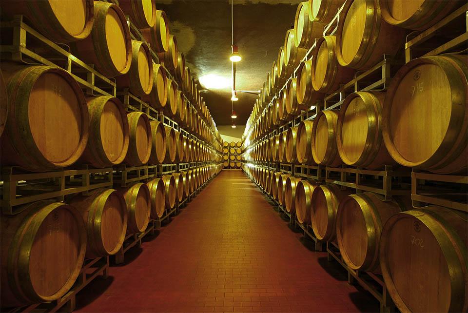 Ristorante fracia piatti tipici e vini pregiati nel cuore for Case tradizionali italiane